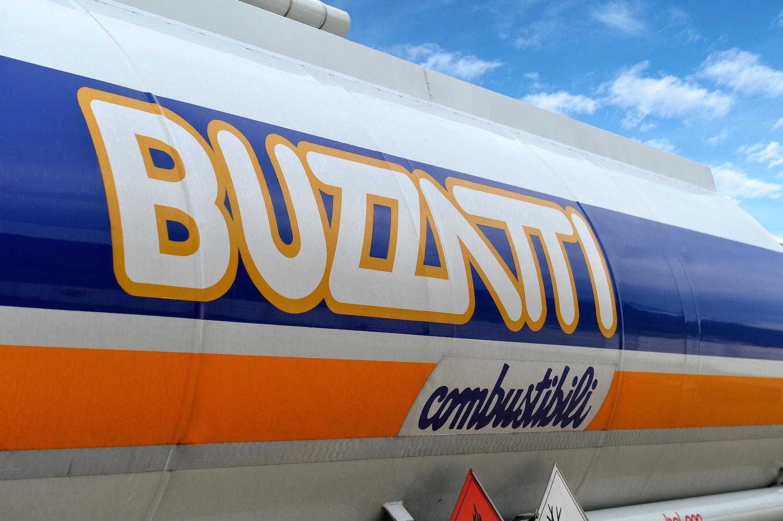 Buzzatti Combustibili fa il pieno di energia anche sul web